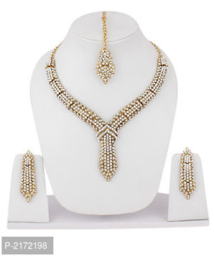 Gold plated Chocker Necklace with Mang tikka set for women